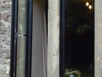Slimline Aluminium Windows Stone Mullions